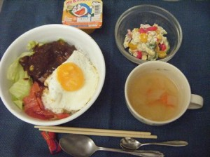 08月13日昼食-ロコモコ