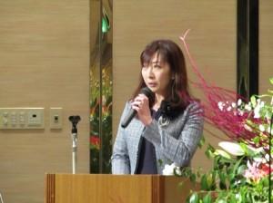 100周年式典の様子?〜開会の辞・ピーチベルズ演奏〜